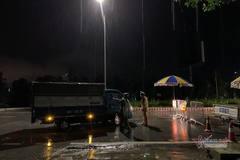 Hải Dương đội mưa xuyên đêm dựng chốt cách ly toàn thành phố