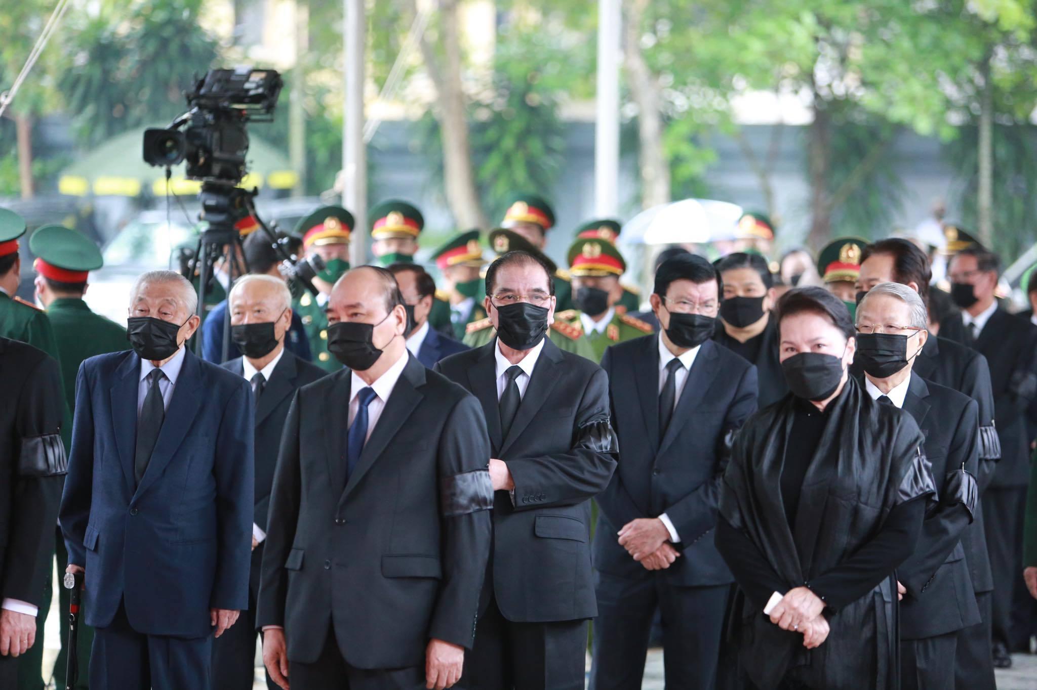 Thủ tướng, Chủ tịch QH viếng nguyên Tổng Bí thư Lê Khả Phiêu