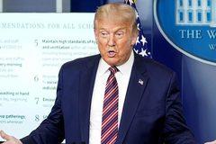 Ông Trump công kích đối thủ Biden trên 'trận chiến khẩu trang'
