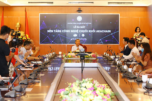 Make-in-Vietnam blockchain platform debuts to assist digital transformation