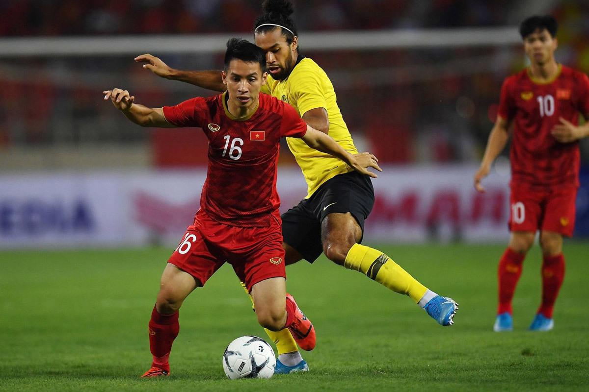 HLV Malaysia mừng ra mặt khi hoãn đấu tuyển Việt Nam