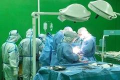 Sản phụ nhiễm Covid-19 được mổ bắt con thành công