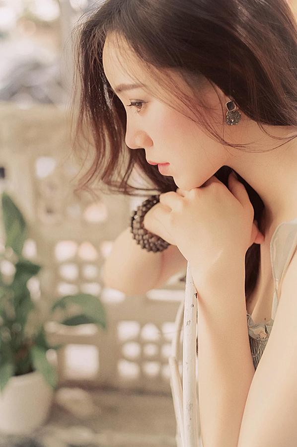 Quỳnh Kool đẹp buồn