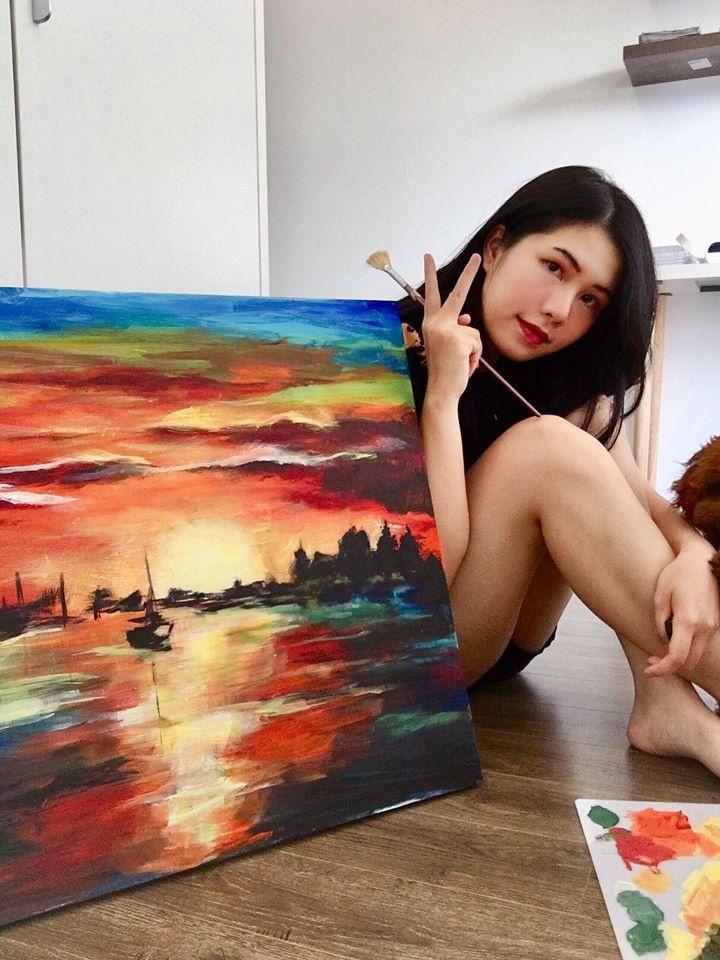Cô giáo tiếng Anh IELTS 7.0 thi Hoa hậu Việt Nam