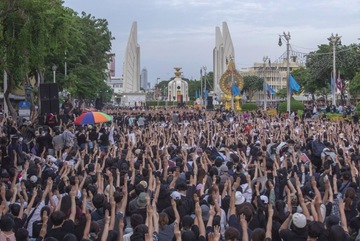 Biểu tình lớn chưa từng có tại Bangkok kể từ đảo chính 2014