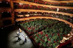 'Nhà hát online' trên thế giới có gì đặc biệt?
