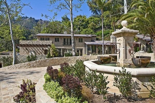 Biệt thự đẹp mê ly 28 triệu USD của Jennifer Lopez