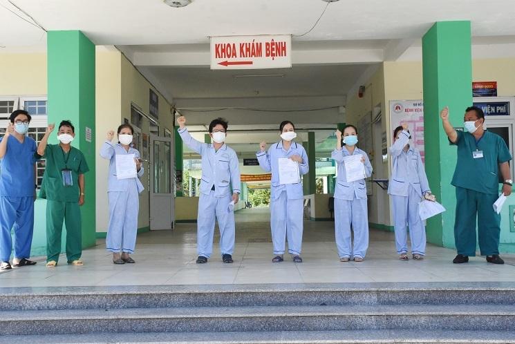 Con gái 2 tháng tuổi cùng ba mẹ vợ Phó Chủ tịch phường ở Đà Nẵng mắc Covid-19