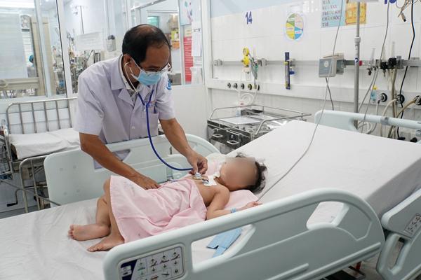 Cứu thành công bé gái 3 tuổi mắc bệnh hiếm gặp