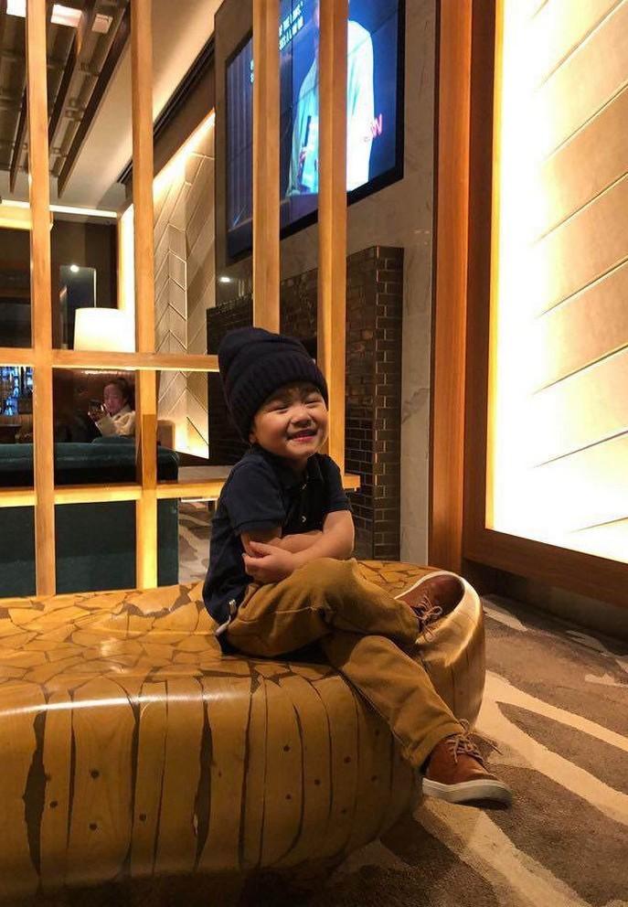 Con trai 4 tuổi của Đan Trường ở nhà triệu đô, kiếm hơn 20 triệu mỗi tháng