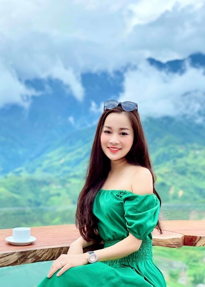 Minh Hương 'Vàng Anh' từ diễn viên thành BTV công an nhân dân