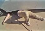 Nam thanh niên bị ô tô đè trúng ngực do kích nâng xe hỏng