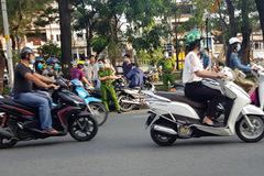 Truy bắt nhóm đâm chết người ở công viên Sài Gòn giữa ban ngày