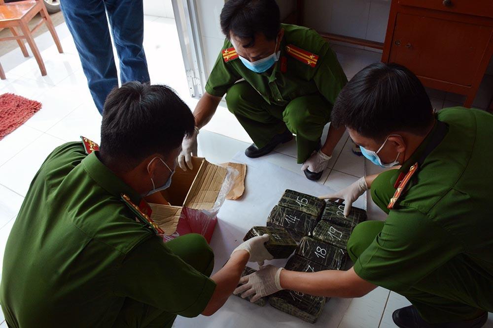 9X ở miền Tây vận chuyển hơn 45kg ma tuý về Sài Gòn