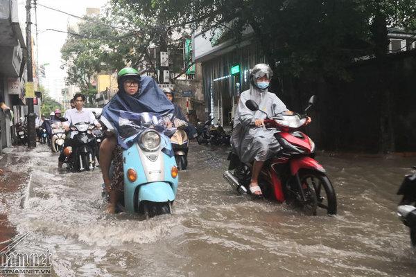 Dự báo thời tiết 18/8, miền Bắc mưa tầm tã, nhiều nơi nguy cơ ngập