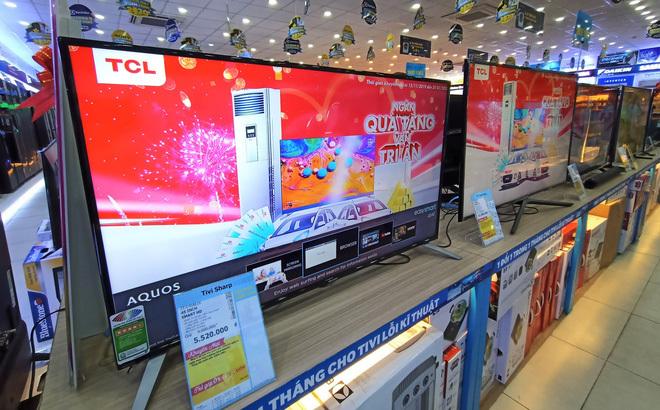 6 mẫu tivi giảm giá 50%, nhiều chiếc có màn hình 'khủng' rẻ hiếm có