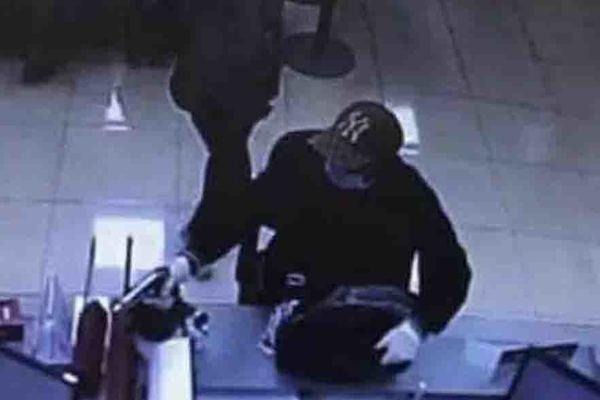 Truy tố kẻ nổ súng cướp ngân hàng ở Hà Nội