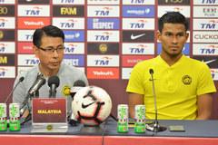 Malaysia luyện quân giữa dịch, chờ đấu tuyển Việt Nam