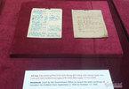 Trưng bày hai cuốn sổ tay ghi chép quý của Chủ tịch Hồ Chí Minh