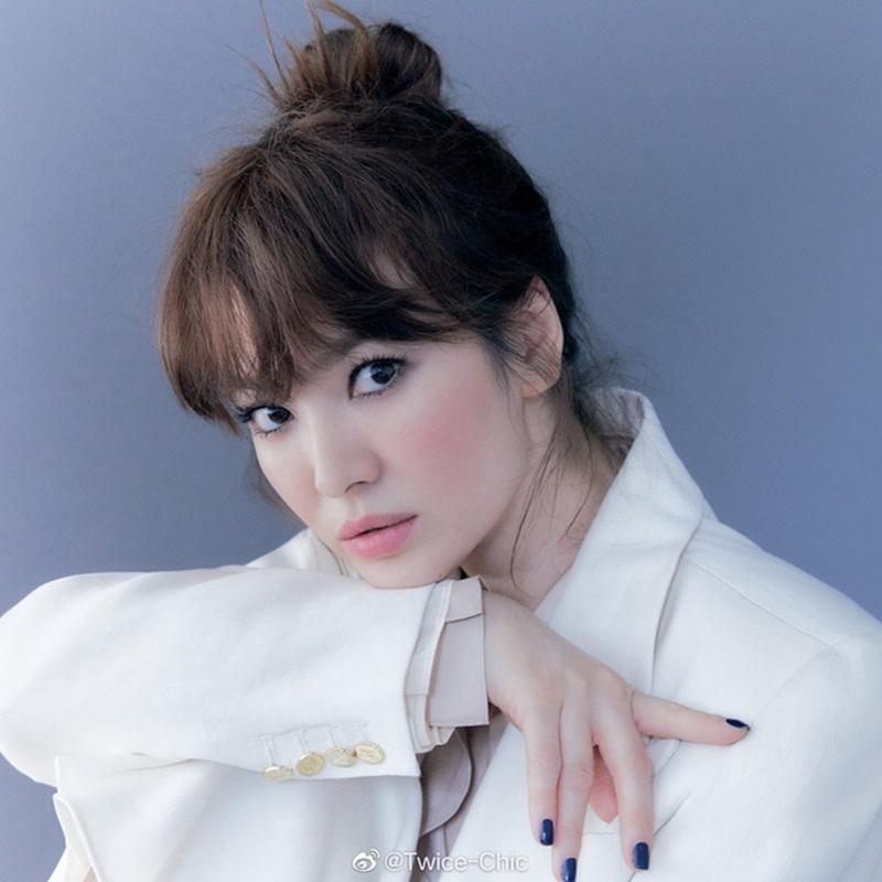 Song Hye Kyo trẻ như gái đôi mươi trong bộ ảnh mới