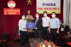 Lazada tặng Đà Nẵng 10.000 bộ trang phục bảo hộ chống dịch Covid-19