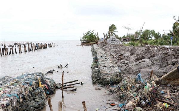 Mekong Delta,landslide