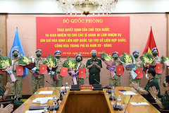 Bộ Quốc phòng triển khai quyết định của Chủ tịch nước cho 10 sĩ quan