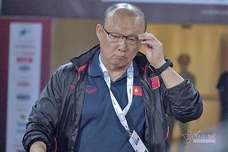 Thầy Park 'né' giảm lương, lý đúng nhưng cần lắm tình!
