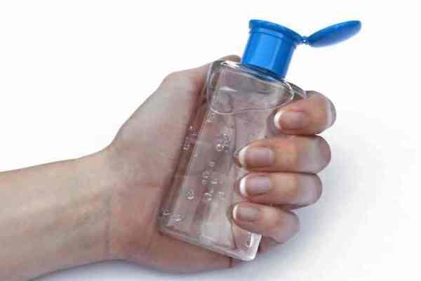 Bắt nhóm nghi phạm lừa 7.000 người Mỹ mua nước rửa tay khô từ Việt Nam