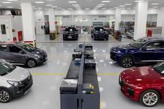 """Các hãng ô tô giảm giá mạnh nhằm kích cầu tháng """"cô hồn"""""""