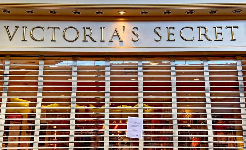 Đóng hàng trăm cửa hàng, hãng thời trang danh tiếng sụp đổ