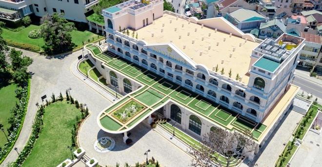 Tổ hợp khách sạn của Dương Trương Thiên Lý lỗ 100 tỷ