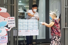 Foreign residents join Da Nang people to fight Covid-19 pandemic