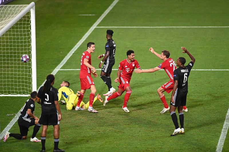 Đè bẹp Lyon, Bayern Munich hùng dũng vào chung kết C1