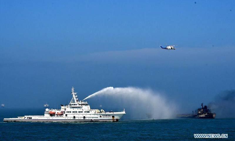 Tàu đâm nhau cháy ngùn ngụt trên sông Dương Tử, 14 người mất tích