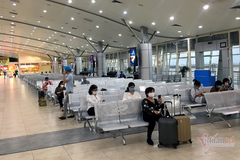 Airfares fall on low travel demand, airlines seek financial support