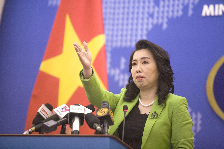 Phản ứng của Việt Nam khi Trung Quốc điều oanh tạc cơ đến Hoàng Sa