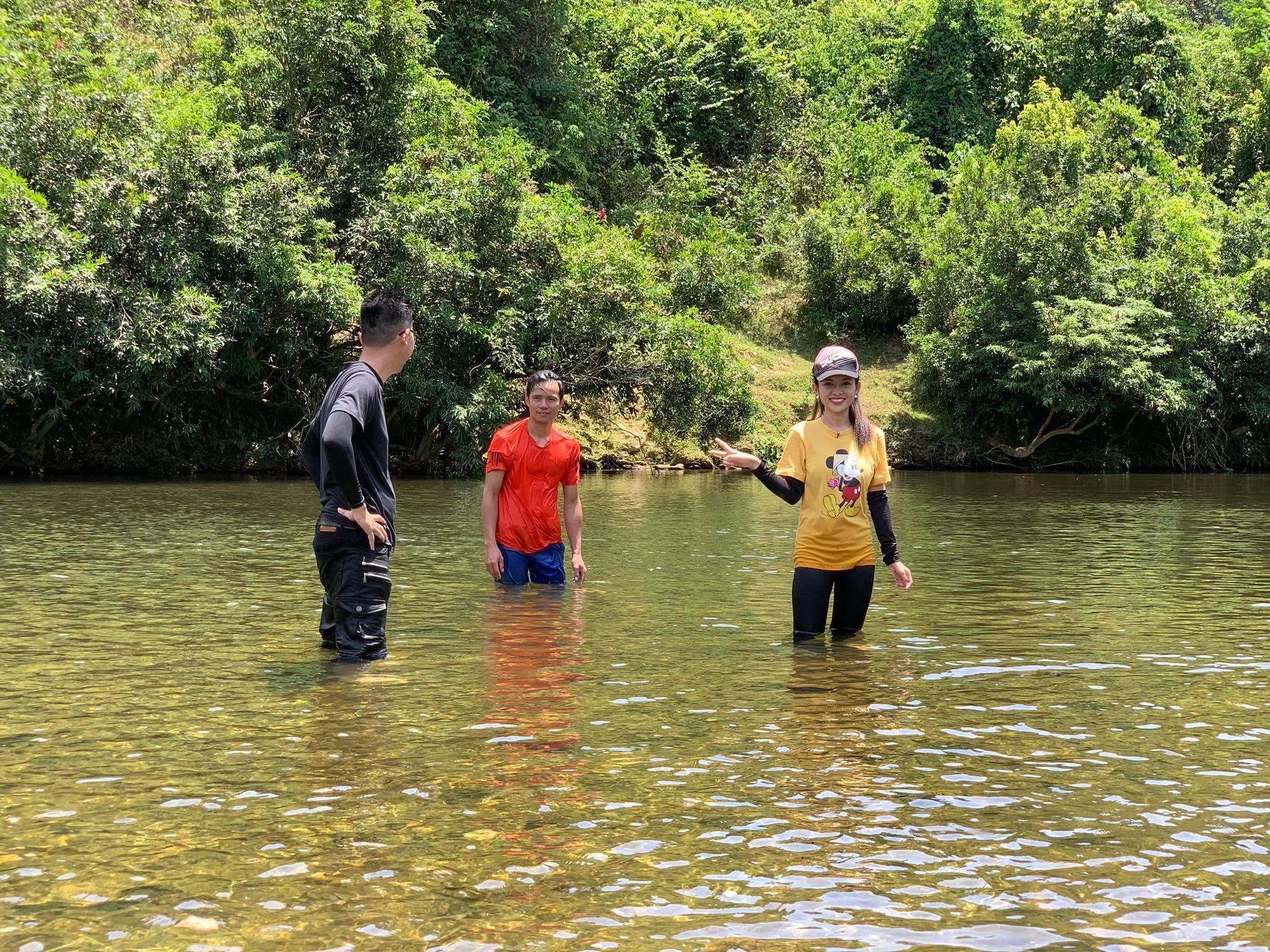 MC Thanh Trúc vượt ám ảnh tai nạn sông nước trong show của VTV