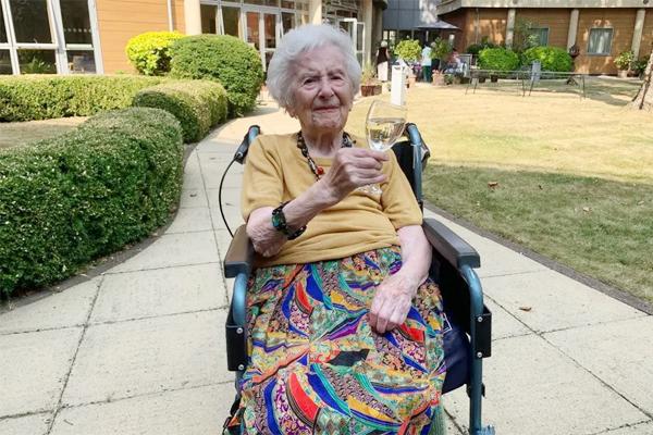 Bí quyết sống thọ của cụ bà 107 tuổi vừa khỏi Covid-19