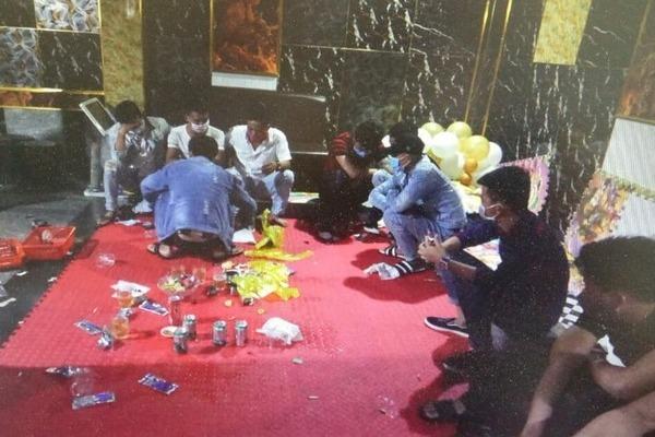 14 thanh niên ở Quảng Trị mở tiệc ma túy mừng sinh nhật