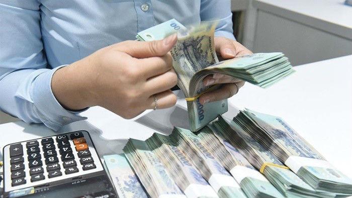 Lãi suất tiếp tục giảm sâu, trăm nghìn tỷ ứ đọng ngân hàng