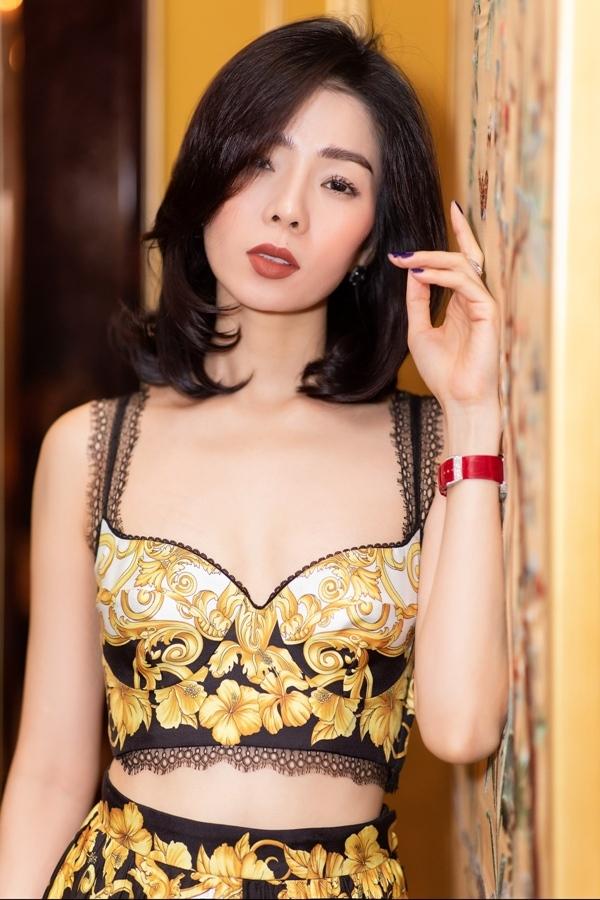 Lệ Quyên vui vẻ bên người mẫu Lâm Bảo Châu giữa lùm xùm tình cảm
