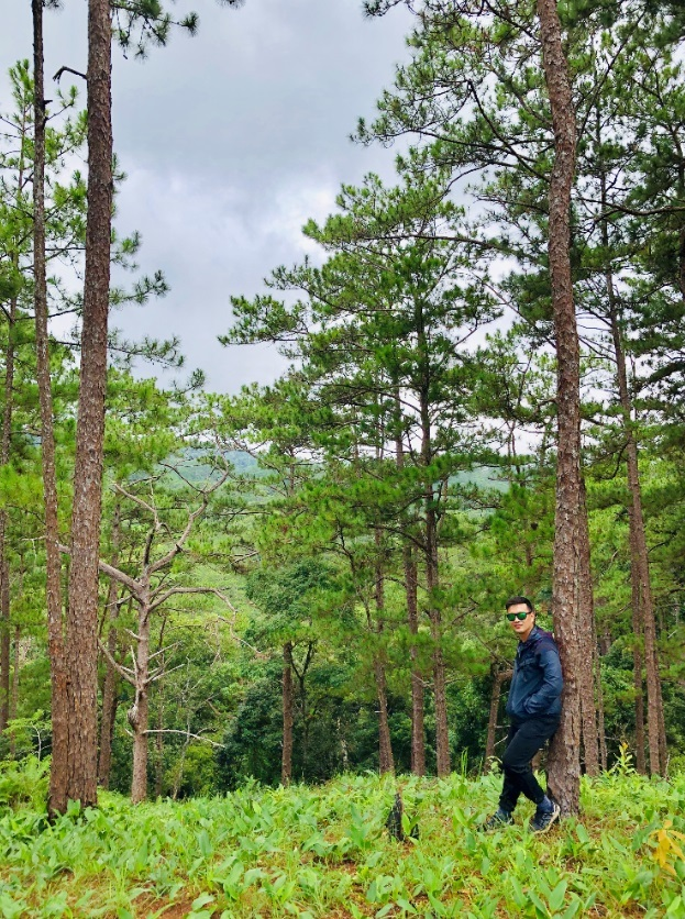 Thầy giáo trẻ vượt qua nỗi sợ, trekking những cung đường khó
