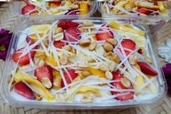 Cận cảnh kem hộp làm từ hoa quả thối
