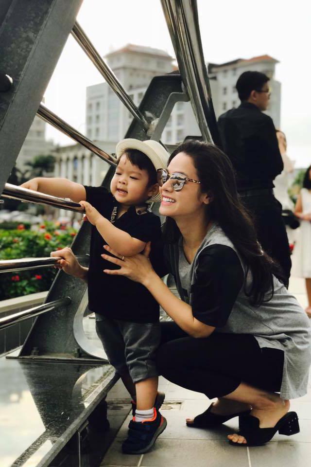Khối tài sản đáng mơ ước của Nhật Kim Anh ở tuổi 35