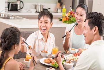 Tường An CookingOil Nutri Plus - cân bằng dinh dưỡng trong mùa dịch