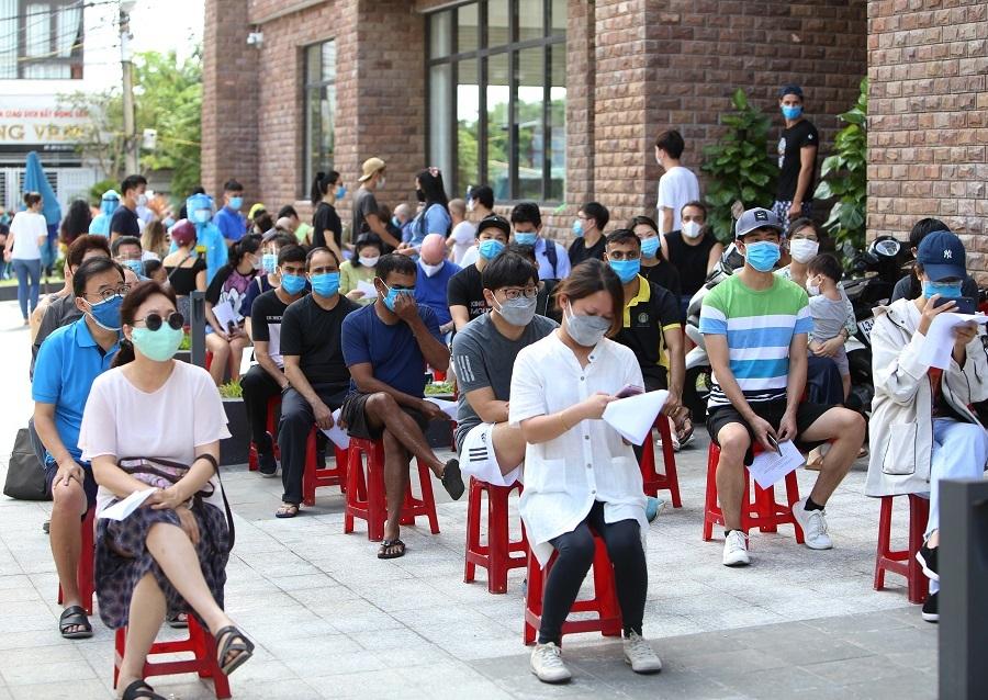 Đà Nẵng lấy mẫu xét nghiệm nCoV hơn 2.000 người nước ngoài