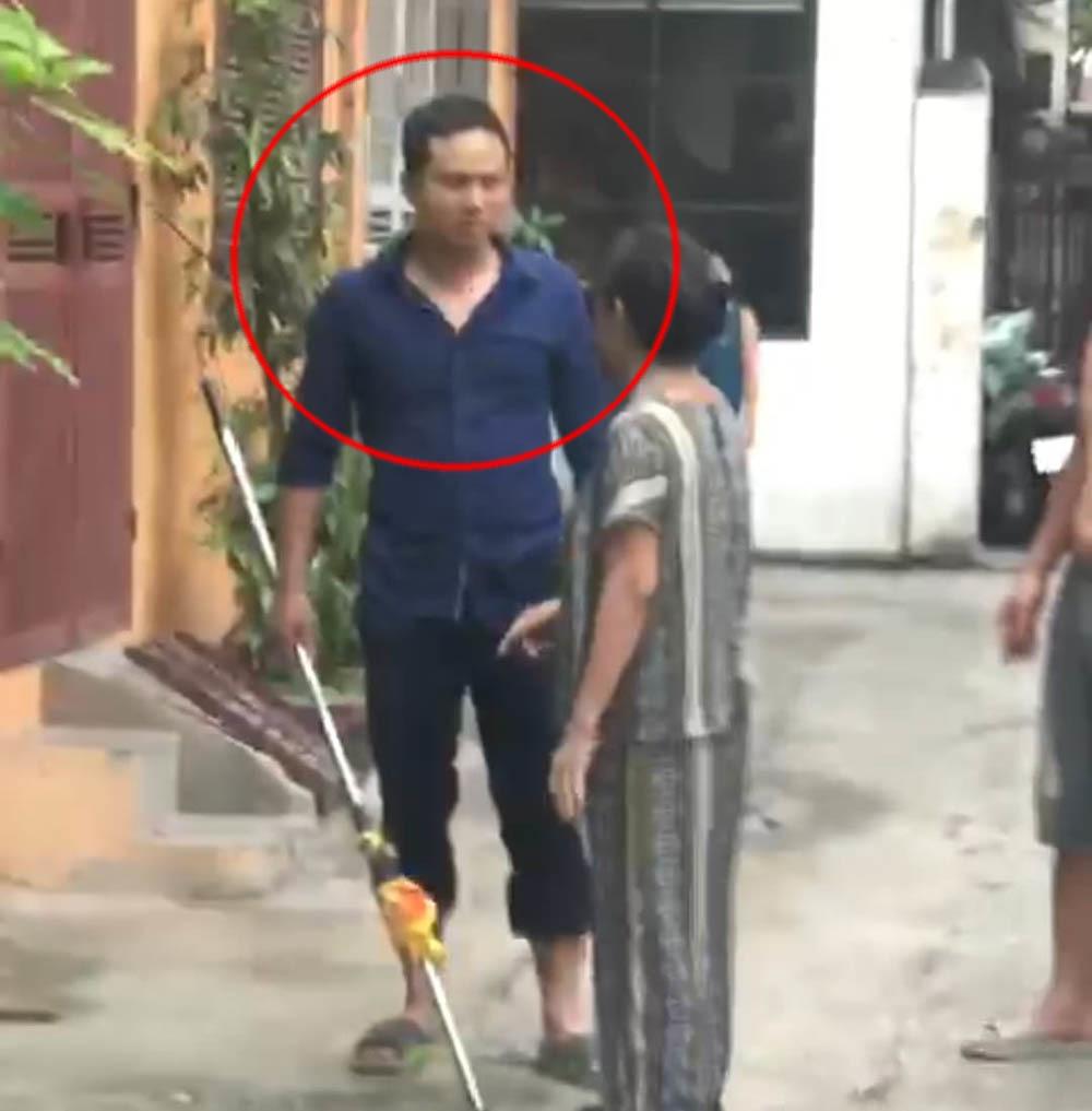 Cô gái ở Hà Nội bị người đàn ông dùng hung khí đánh đập dã man