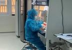 Một ngày của nhân viên xét nghiệm Covid-19