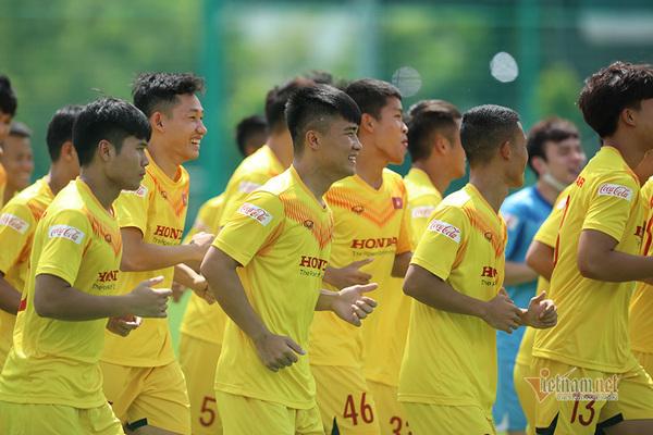 U22 Việt Nam không gọi Văn Hậu, Hoàng Đức, dành cho tuyển Việt Nam
